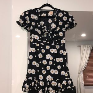 Cute dress with flowers and tie front alive girl